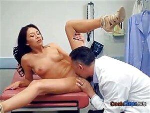 Sexy Patient Kara Faux Has Oral Sex With Doctor Porn