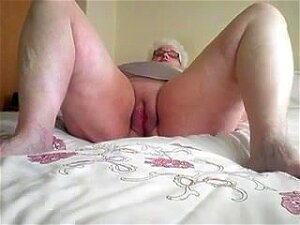 Chubby Skank Gets Her Meaty Crotch Fucked In The Missionary Pose Porn