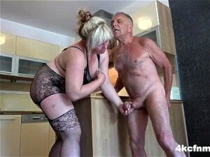 Besplatno cfnm porno video