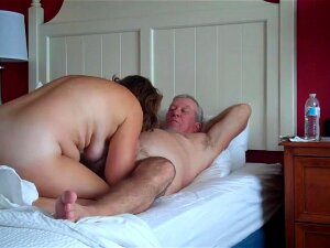 Old Russian Couple Gets Fucked In A Hotel Porn