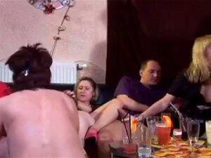 Swinger In Club Porn