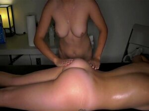 Hidden Camera At Happy Ended Lesbian Massage / 2018-02-09 Porn