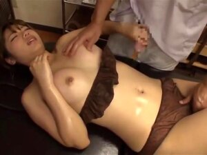 Masseur Secretly Fucked With Hot Wife Beside Her Husband Porn