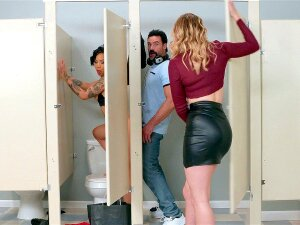 Giselle Palmer Caught Honey Gold Being Fucked Through The Glory Hole Porn