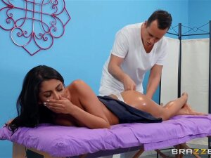 Chiropractor Makes Gash Moist Porn