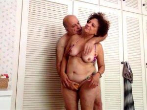 OLD COUPLING FONDLING Porn