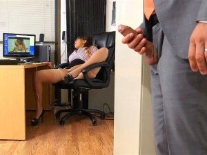 Cassidy Banks Gets Caught Finger Fucking Her Beaver By Her Boss Porn