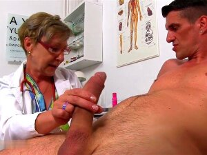 Dr. Anthonia Loses Self-control At The Sight Of A Large Porn