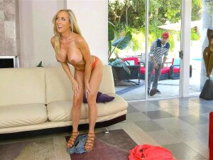 Brandi Love Caught Young Guy Peeping On Her Porn