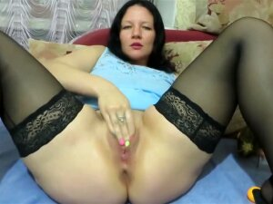 Milf Fucks Herself With A Bottle, Zucchini And Makes Fisting. Squirt Porn