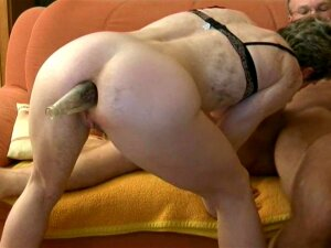 Amateur Sucks Cock With Bottle In Ass Porn