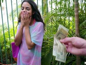 Public Sex For Cash Turns On Gorgeous Brunette Vienna Black Porn