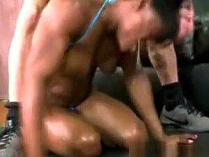 Black Female Bodybuilder Choking On Dick Porn