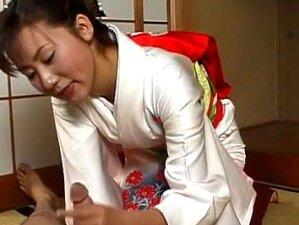 Incredible Japanese Chick In Exotic JAV Uncensored Handjobs Movie Porn