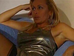 A Beautiful Spanish Woman Fucks A Guy On A Coach Porn