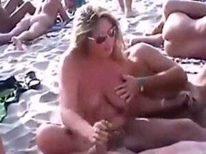 Voyeur Tapes Many Nudists Having Oral Sex At The Beach Porn