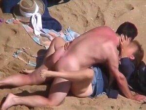 Discrete Beach - Mature Couple Fucking Porn
