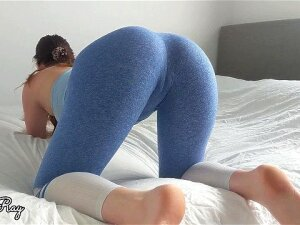 Fit Babe Rips Her Yoga Pants For A Massive Dripping Creampie Porn