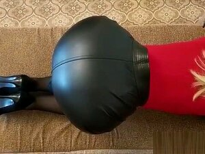 Office Lady In Tight Leather Skirt 720p (5) Porn