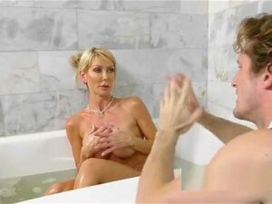 Dude Caught Stepmom Masturbating In Bathtub Porn