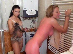 Lezdom Whipping In Bath Porn