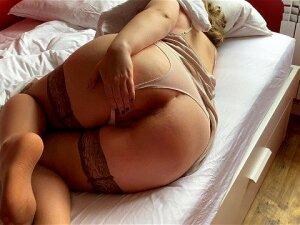 Разбудил мачеху с большой попкой кремпаем на карантине, а она не против Porn