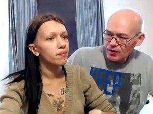 Family Cam Show F & D Porn