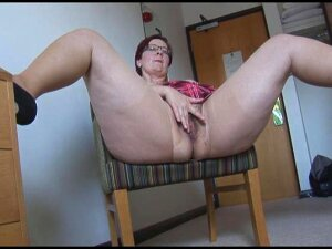 Busty Mature BBW In Pantyhose And Mini Skirt Porn