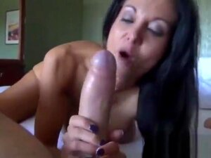 Son Meets Mom In An Hotel To Fuck After A Long Time Porn