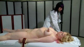 Extreme pussy insertions