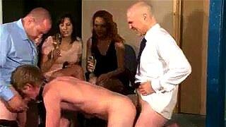 biseksualni creampie porno