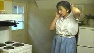 housewife #176535843