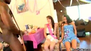 Sexy petite Bday girl suck'n'fuck party