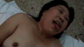 Mature Chinese wife fucking and sucking big cock