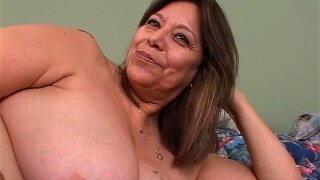 See This Juicy Mexican Granny's Hot Asshole!