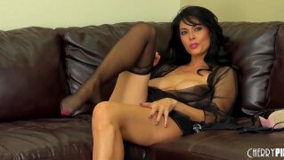 Beautiful brunette Tera Patrick masturbation and  shows her big boobs on the webcam